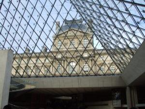 ルーブル美術館(入口)